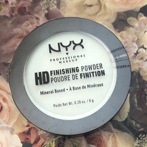 💚🏝5/$25 NYX Toning Finishing Powder